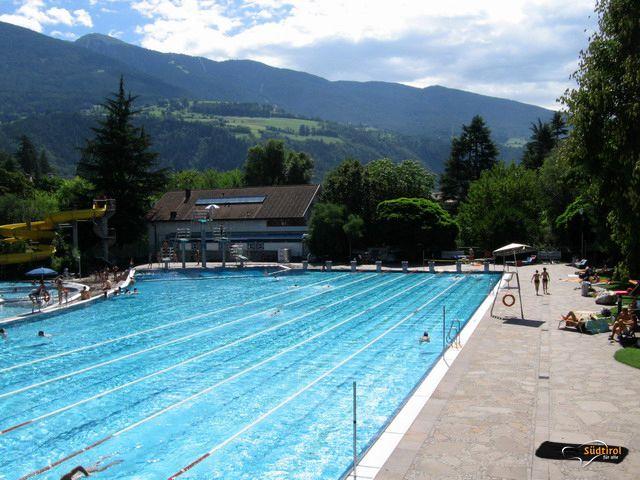 Acquarena outdoor piscina all 39 aperto a bressanone alto - Piscina bressanone prezzi ...