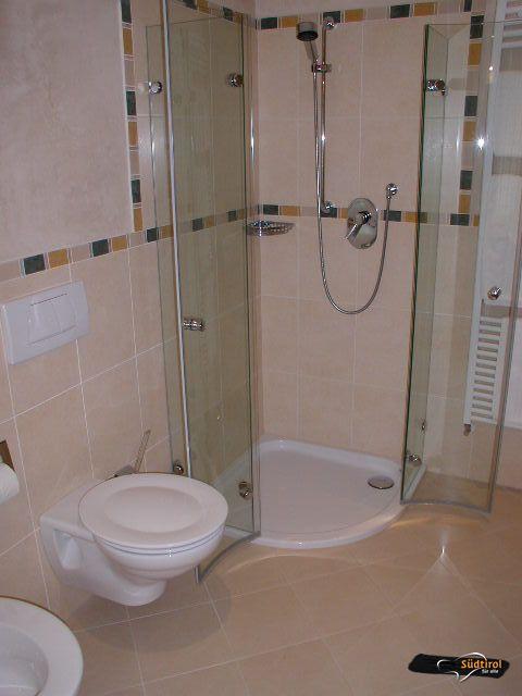 Servizi alto adige per tutti - Altezza rivestimenti bagno ...